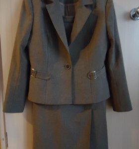 Костюм юбка и пиджак