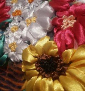 Продам очень красивую вышивку лентами.