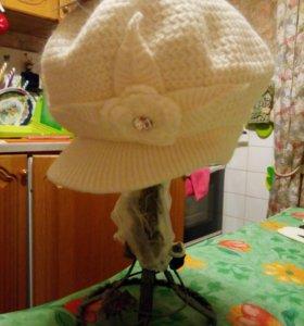 Новая вязаная зимняя кепка (шапка)