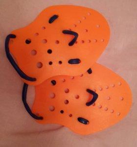 Профессиональные лопатки для плавания.