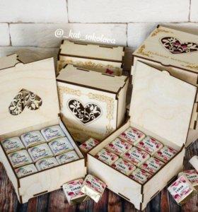 Деревянные шкатулки с конфетами ко дню матери