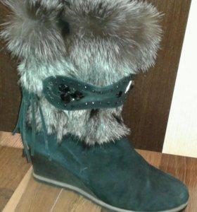 Ботинки замшевые с мехом чернобурки