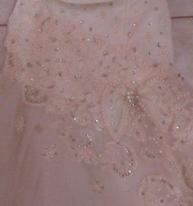 Платье-на бал. Белое-в стразах5-7 лет