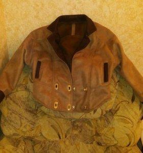 Кожаная ,женская куртка
