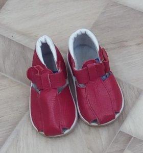 Туфли на лепучке