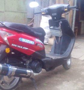 Продам скутер DAYANG DY-100T8