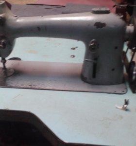 Швейная машинкп