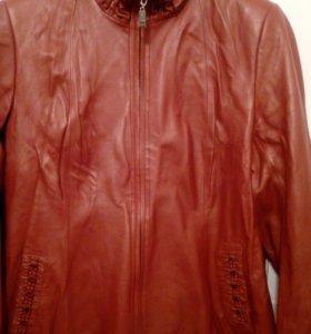 Женская кожаная куртка 54-56