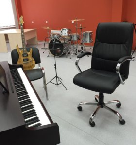 Уроки фортепиано, гитара (джаз/классика)