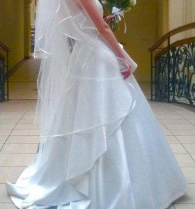 Свадебное платье б/у (42 размер)