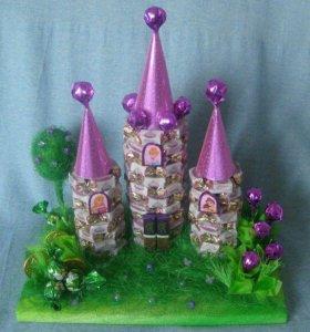 Домик для принцесс из конфет