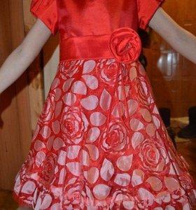 Шикарное платье для праздника, утренника.на 5-6лет