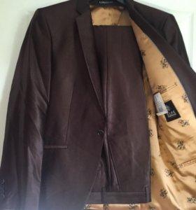 Мужской костюм (пиджак,брюки)