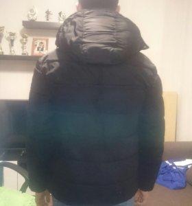 Куртка мужская, в отличном состоянии.  ZARA. Зима.