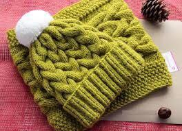 Вязаные шапки, снуды или комплекты разных цветов
