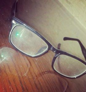 СРОЧНО продаю очки для зрения