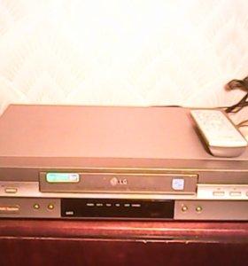 Видеомагнитофон с видеокассетами