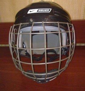 Шлем для игры в хоккей