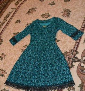 Платье жаккард с кружевом