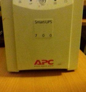 Ибп Smart-UPS 700