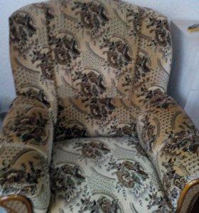 Продаються диван и два кресла новые не дорого сроч