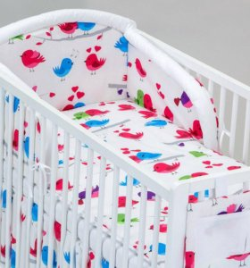 Постельное белье и бортики в детскую кроватку