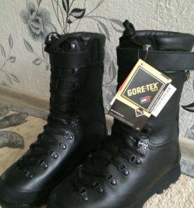 Зимняя обувь GORE-TEX 42 размер,ботинки!