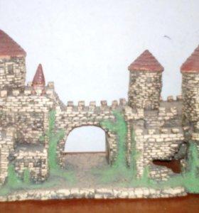 Замок в аквариум.