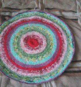 Вязаные коврики ручной работы