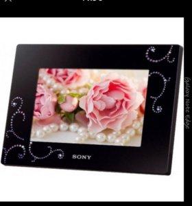 Фоторамка Sony dpf-d720