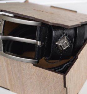 Ремень Levi's в подарочной коробочке