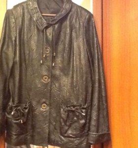 Кожанная женская куртка 52-54 размер