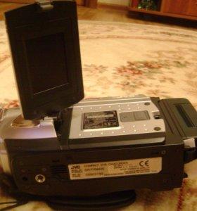 Видеокамера кассетная JVC GR-FXM40E