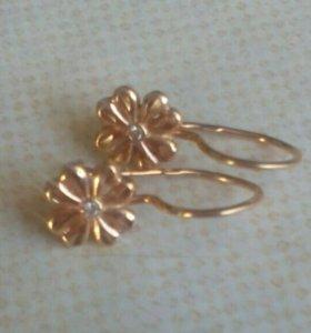 Сережки золотые