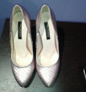 Туфли новые ни разу не одеты маломерки р35,5-37