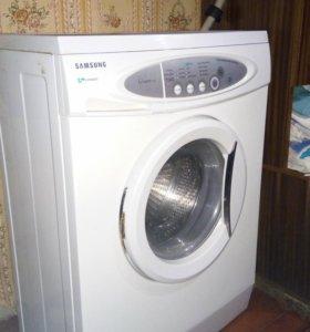 Продается стиральная машинка на запчасти.