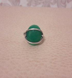 Серебряное кольцо с камнем хризопраз