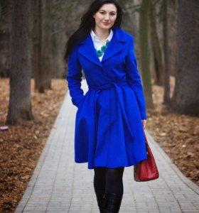 Новое пальто Zarina. Размер M-L