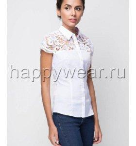 Белая новая блузка.