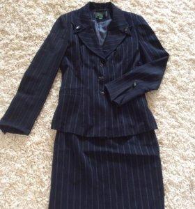 Костюм тройка (пиджак, юбка, брюки). Размер 44-46