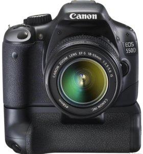 Фотоаппарат Canon 550d c батарейной ручкой