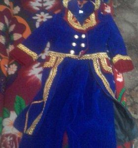 Новогодний костюм для мальчика 4,5 лет (наполеон)