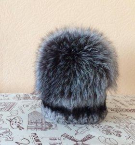 Новая вязаная шапка (шиншилла с чернобуркой)