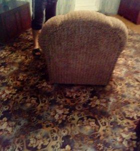 2 кресла в отл.состоянии 9528919808