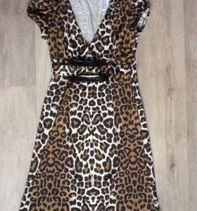 Трикотажное платье с леопардовым принтом