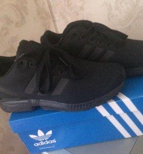 Кроссовки adidas новые !