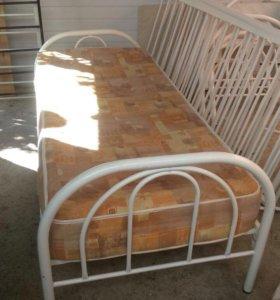Продаются кровати с матрацами в хорошем состоянии!