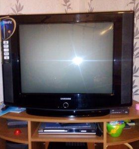 Телевизор SAMSUNG  70cm