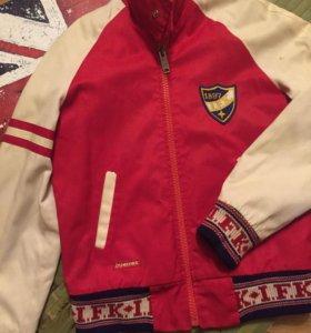 Фирменная  куртка-бомбер