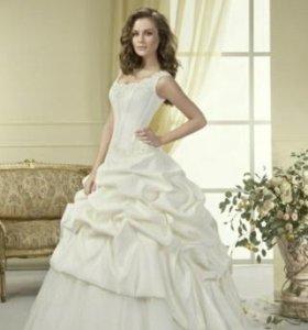 Свадебное платье+туфли,митенки,подъюбник